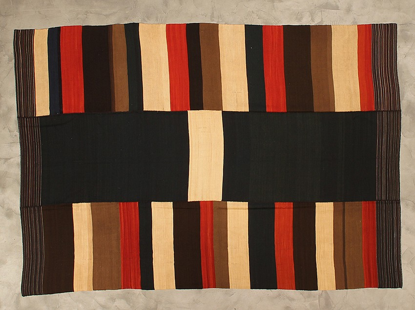 "<p><span class=""viewer-caption-artist"">Iwan Maktabi Collection</span></p> <p><span class=""viewer-caption-title""><i>Mazandaran Hezarjerib Red & Brown</i></span>, <span class=""viewer-caption-year"">2012</span></p> <p><span class=""viewer-caption-dimensions"">274 x 188 cm (107 7/8 x 74 in.)</span></p> <p><span class=""viewer-caption-inventory"">IWM0017</span></p> <p><span class=""viewer-caption-aux""></span></p>"